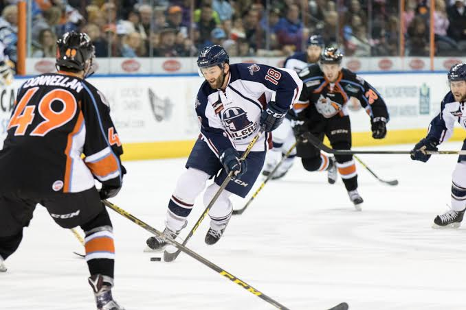 Oilers Rooted by Mavericks, 2-1